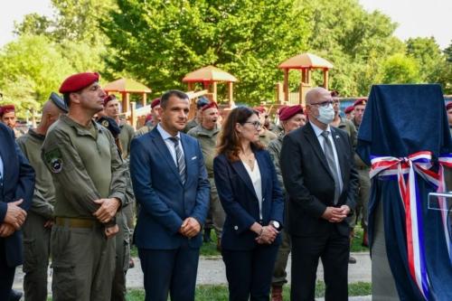 Oruzane-snage-Republike-Hrvatske-i-Izraelskih-obrambenih-snaga-otkrile-spomen-obiljezje-Hanni-Szenes-12