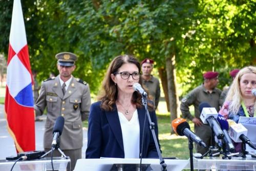 Oruzane-snage-Republike-Hrvatske-i-Izraelskih-obrambenih-snaga-otkrile-spomen-obiljezje-Hanni-Szenes-13