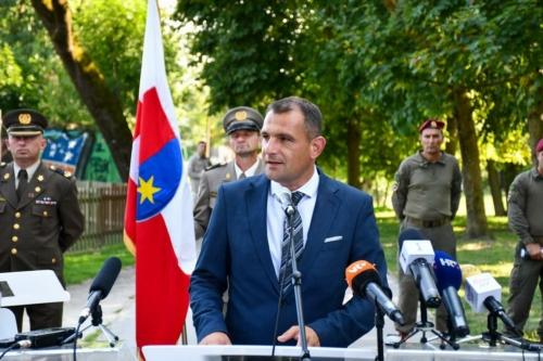 Oruzane-snage-Republike-Hrvatske-i-Izraelskih-obrambenih-snaga-otkrile-spomen-obiljezje-Hanni-Szenes-14