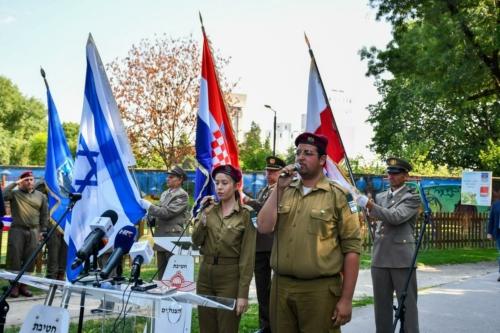 Oruzane-snage-Republike-Hrvatske-i-Izraelskih-obrambenih-snaga-otkrile-spomen-obiljezje-Hanni-Szenes-16