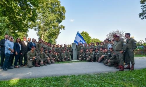 Oruzane-snage-Republike-Hrvatske-i-Izraelskih-obrambenih-snaga-otkrile-spomen-obiljezje-Hanni-Szenes-21