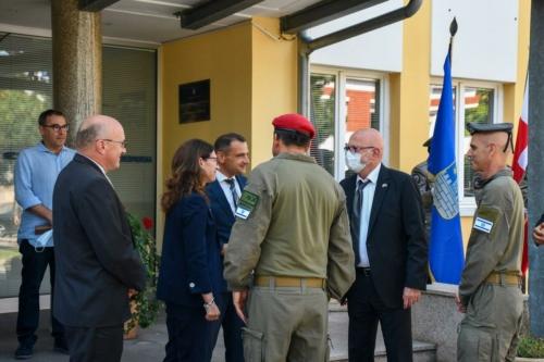 Oruzane-snage-Republike-Hrvatske-i-Izraelskih-obrambenih-snaga-otkrile-spomen-obiljezje-Hanni-Szenes-4