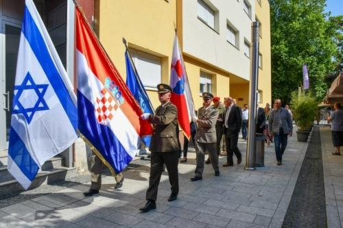 Oruzane-snage-Republike-Hrvatske-i-Izraelskih-obrambenih-snaga-otkrile-spomen-obiljezje-Hanni-Szenes-8
