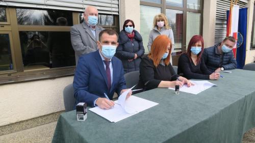 Potpisivanje sporazuma izgradnje školske dvorane Sveta Marija (5)