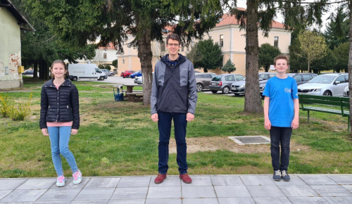 Viktor Lazar sa svojim ucenicima